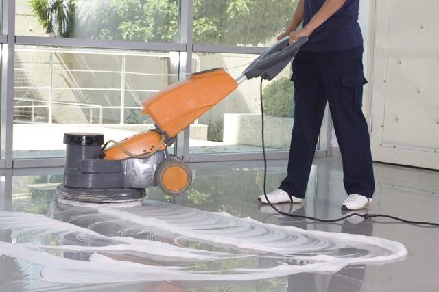 Hướng dẫn cách sử dụng hóa chất máy lau sàn đúng cách