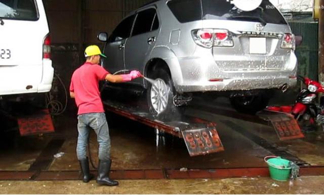 Cầu nâng ô tô một trụ Ấn Độ – Bàn nổi