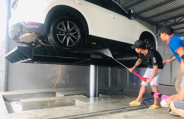 Cầu nâng rửa xe Ấn Độ 1 trụ