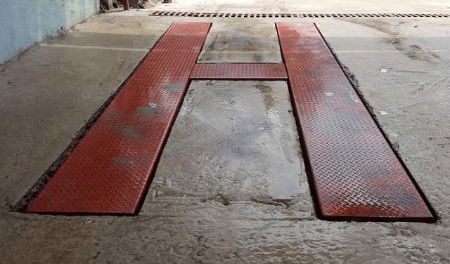 Cầu nâng rửa xe oto 1 trụ bàn âm