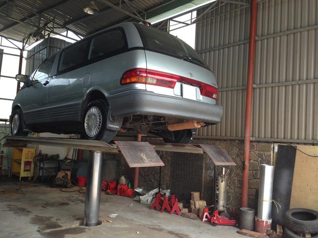 Cầu nâng rửa xe ô tô 1 trụ V-Jet 4.0