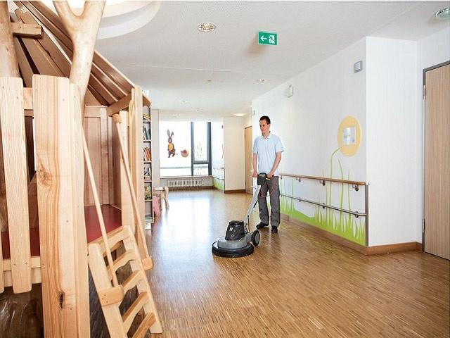 Máy chà sàn gỗ