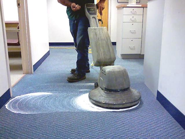 Máy chà sàn trong bệnh viện