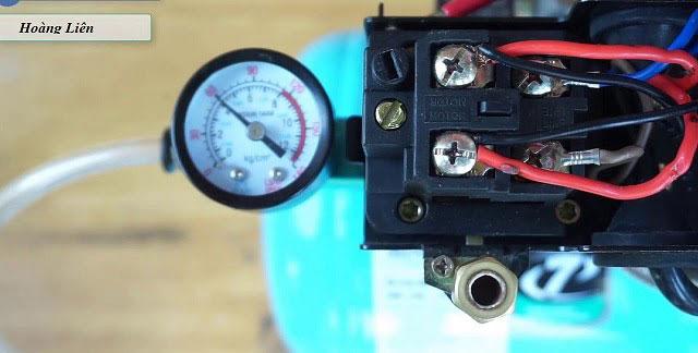 Điều chỉnh rơ le áp suất khí nén