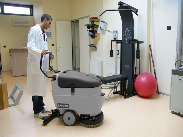 Tìm hiểu hướng dẫn sử dụng máy chà sàn công nghiệp
