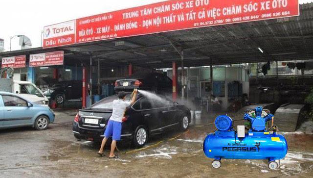 rửa xe bằng máy nén khí