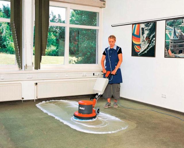 Những ưu điểm của máy chà sàn trong gia đình