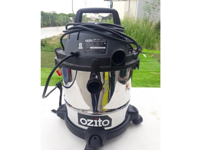 máy hút bụi Ozito 12l