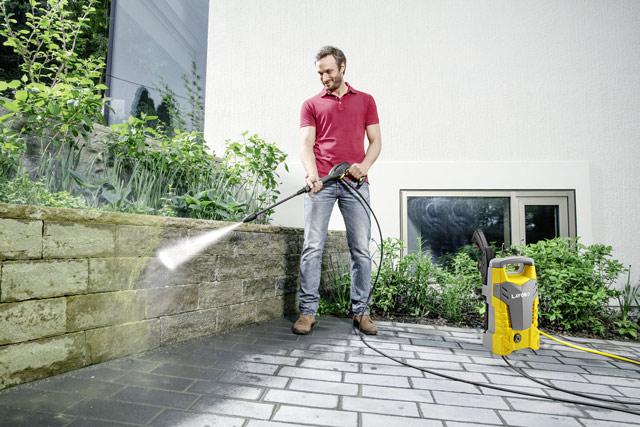 Thiết bị được ứng dụng vệ sinh các loại rong rêu trên tường nhà