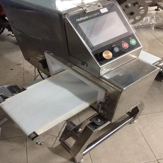 máy dò kim loại anritsu metal detector