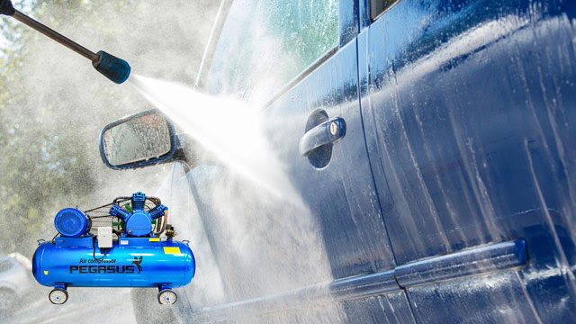 dùng máy nén khí để rửa xe
