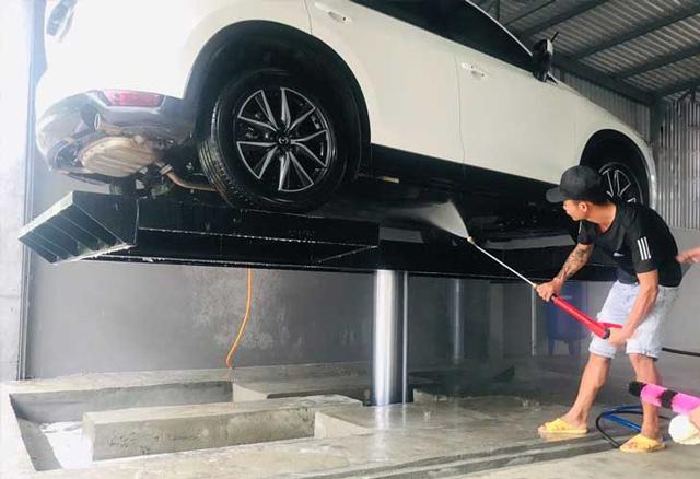 Cầu nâng rửa xe ô tô giá bao nhiêu