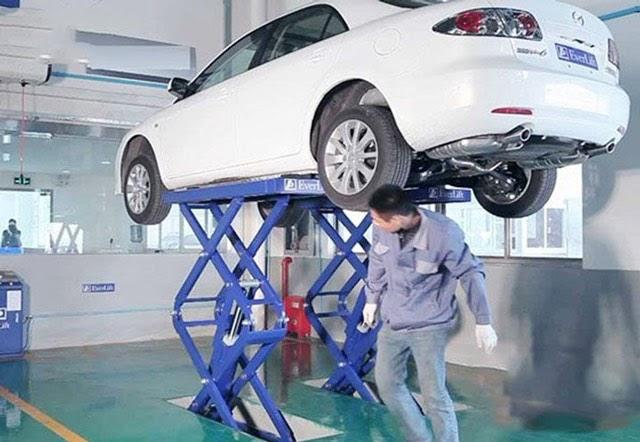 Cầu nâng ô tô