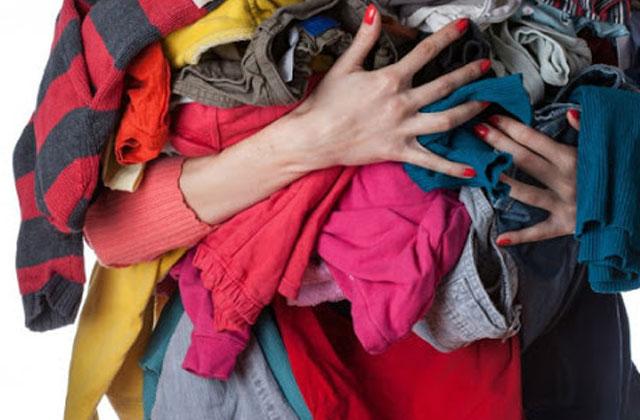 Quần áo nhanh bị mốc và bốc mùi hôi khi trời nồm