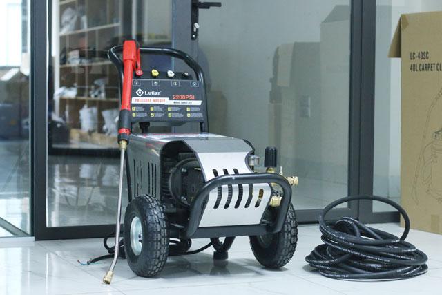 máy rửa xe siêu cao áp