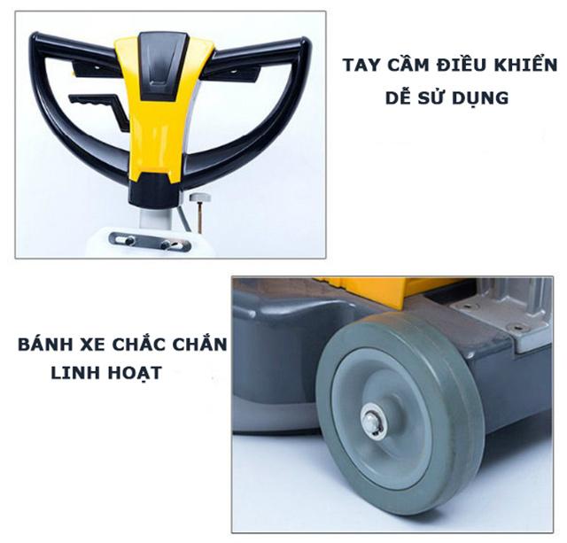 Cần điều khiển và bánh xe máy chà sàn đơn