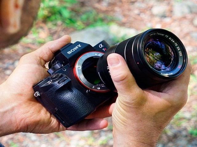 Độ ẩm cao có thể gây hư hỏng cho máy ảnh?